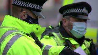 В Великобритании из-за роста числа заболевших коронавирусом объявлен новый локдаун.