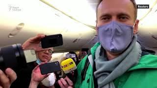 """Навальный возвращается в Россию: """"Я сегодня очень счастлив"""""""