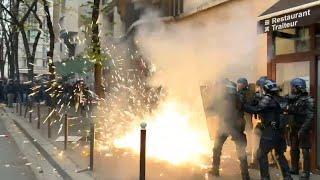 На акции протеста в Париже начались погромы