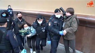 Очередные задержания полицией на акции у ГУВД Москвы