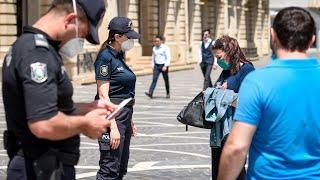 В Азербайджане растет количество заболевших ковидом. Полиция проводит рейды