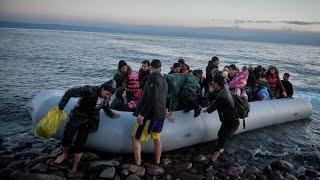 Границу Турции и Греции пересекли уже более 130 тысяч беженцев